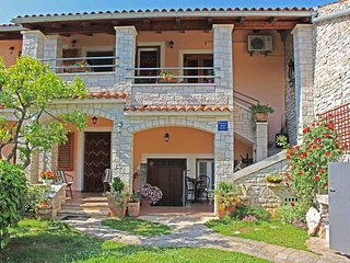 Spacious apartment in the center of Vodnjan with Parking, Internet, Air conditio