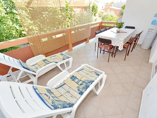 Spacious apartment in the center of Vir with Parking, Internet, Washing machine,