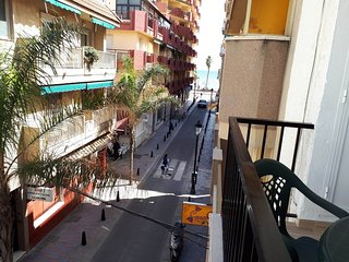 Spacious apartment a short walk away (118 m) from the 'Playa de Santa Amalia' in