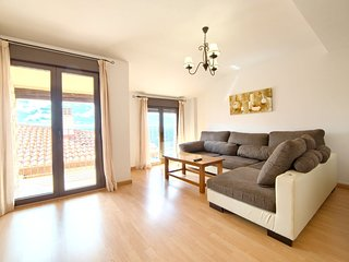 Spacious apartment in the center of Gúdar with Lift, Internet, Balcony