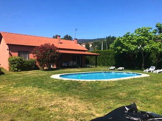Cozy villa in Estás with Parking, Washing machine, Pool, Garden