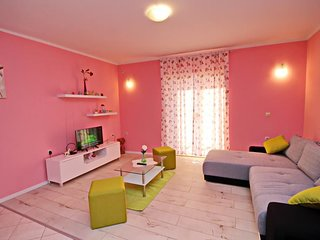 Cozy villa in the center of Vela Luka with Internet, Washing machine, Air condit