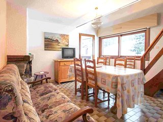 Spacious apartment very close to the centre of Combloux with Parking, Washing ma