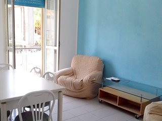 Spacious apartment in Pescara with Parking, Internet, Washing machine, Balcony
