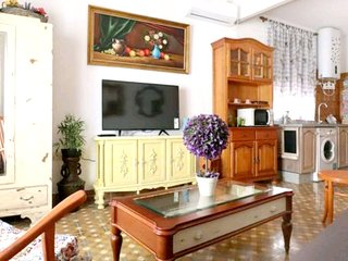 Cozy house in the center of Cordoba with Parking, Internet, Washing machine, Air