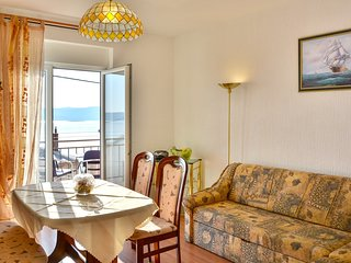 Cozy apartment very close to the centre of Senj with Parking, Internet, Washing