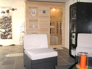 Cozy villa in the center of Saint-Pierre-Lafeuille with Parking, Internet, Washi
