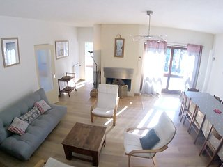 Spacious house very close to the centre of Briancon with Parking, Internet, Balc