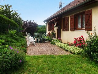 Spacious house in the center of Aumontzey with Parking, Internet, Washing machin