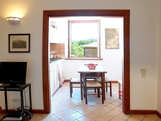 Cozy apartment in the center of Barbarano Romano with Internet