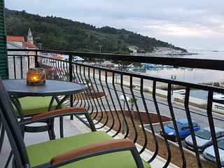 Spacious apartment in the center of Vela Luka with Parking, Internet, Air condit