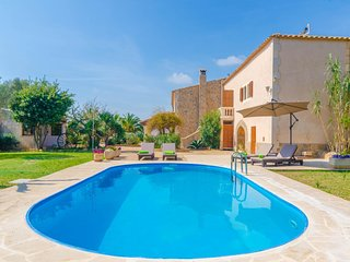Spacious villa in Santanyí with Internet, Washing machine, Air conditioning, Poo
