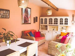 Cozy house in A dos Cunhados with Parking, Internet, Washing machine, Garden