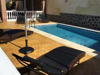 Spacious villa in Otura with Parking, Internet, Washing machine, Air conditionin