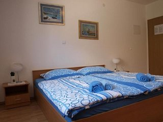 Cosy studio close to the center of Makarska with Parking, Internet, Air conditio