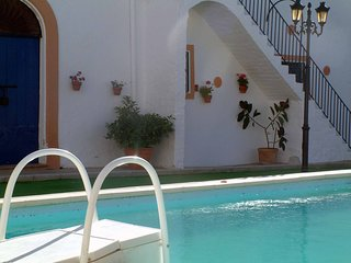 Spacious house in Aguilar de la Frontera with Parking, Washing machine, Pool, Ba