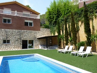 Spacious house in Olivella with Parking, Internet, Washing machine, Air conditio