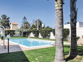 Spacious villa in Mazara del Vallo with Parking, Internet, Washing machine, Air