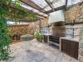 Spacious villa in the center of Valldemossa with Internet, Washing machine, Pool
