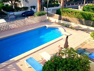 Spacious house in the center of Cala Pi with Parking, Internet, Washing machine,