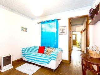 Cozy house in Atouguia da Baleia with Parking, Internet, Washing machine, Balcon