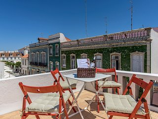 Spacious apartment in the center of Vila Real de Santo Antonio with Internet, Te