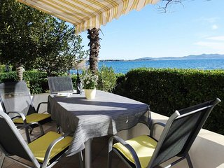 Cozy house in Zadar with Parking, Internet, Air conditioning, Balcony