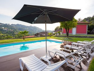 Spacious villa in Travassos with Parking, Internet, Pool, Garden
