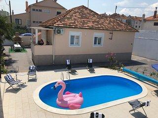 Ferienhaus 4576-1 für 7 Pers. in Zadar