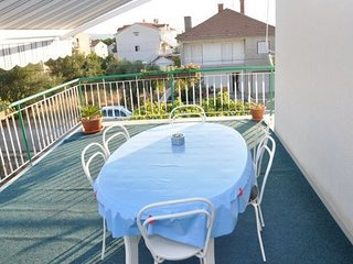 Spacious apartment in the center of Biograd na Moru with Parking, Internet, Air