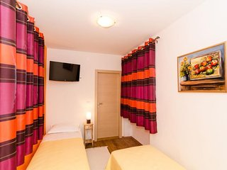 Cozy room in the center of Cavtat with Internet, Air conditioning