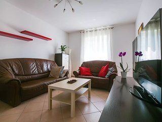 Spacious apartment in Porec with Parking, Internet, Air conditioning, Balcony