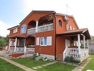 Cozy apartment in the center of Valica with Parking, Washing machine, Air condit