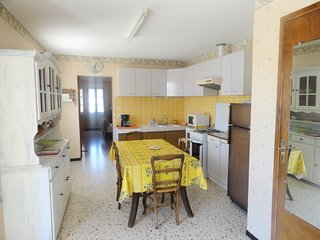 Spacious house in the center of Saint-Laurent-la-Vernede with Parking, Washing m