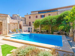 Spacious villa in the center of Santanyí with Internet, Washing machine, Pool, T