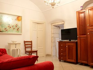 Cozy apartment in the center of Ostuni with Parking, Internet, Balcony