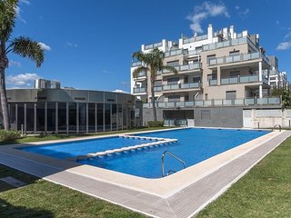 Spacious apartment in Oliva with Washing machine, Air conditioning, Pool, Terrac