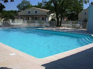 Cozy house in Tourrettes with Parking, Internet, Washing machine, Pool