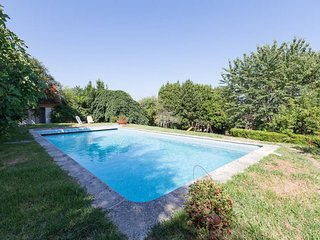 Spacious house in Galegos with Parking, Internet, Pool, Balcony