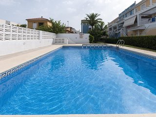 Spacious house in Gandia with Washing machine, Air conditioning, Pool, Terrace