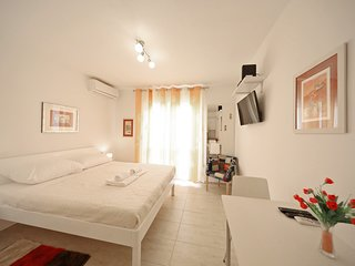 Cosy studio in the center of Zadar with Internet, Balcony