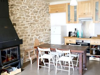 Cozy house close to the center of Saint-Gildas-de-Rhuys with Parking, Internet,