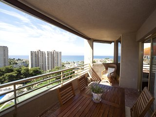 Spacious apartment in Alicante with Lift, Parking, Internet, Washing machine
