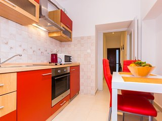 Cozy apartment in the center of Zadar with Internet, Washing machine, Air condit