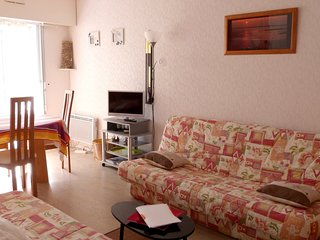 Cozy apartment very close to the centre of Arcachon with Parking, Washing machin