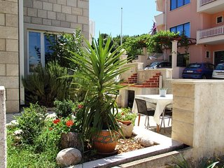 Cozy apartment in the center of Cavtat with Parking, Internet, Washing machine,