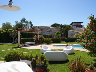 Cozy house in the center of Agde with Parking, Internet, Washing machine, Pool
