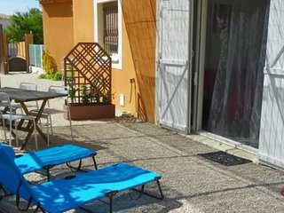 Cosy studio in La Ciotat with Parking, Internet, Washing machine, Terrace