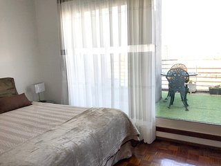 Spacious apartment in the center of Matosinhos with Internet, Washing machine, B
