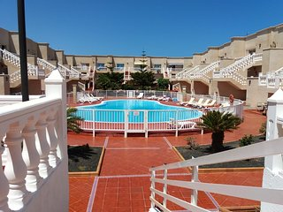 Spacious apartment a short walk away (424 m) from the 'Playa Caleta de Fuste' in